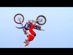 Santa Claus Motocross freestyle